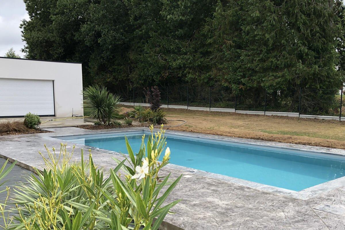 Construction piscine quimperl par mgw piscines - Construction piscine reglementation ...
