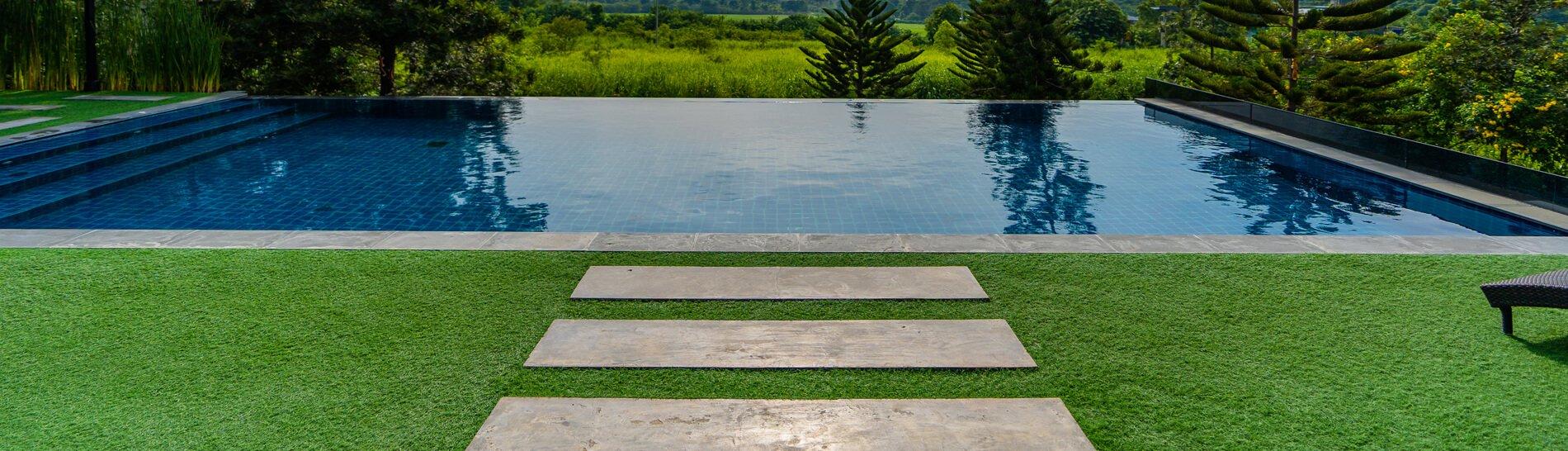 Constructeur piscine morbihan vannes baud mgw piscines - Construction piscine reglementation ...