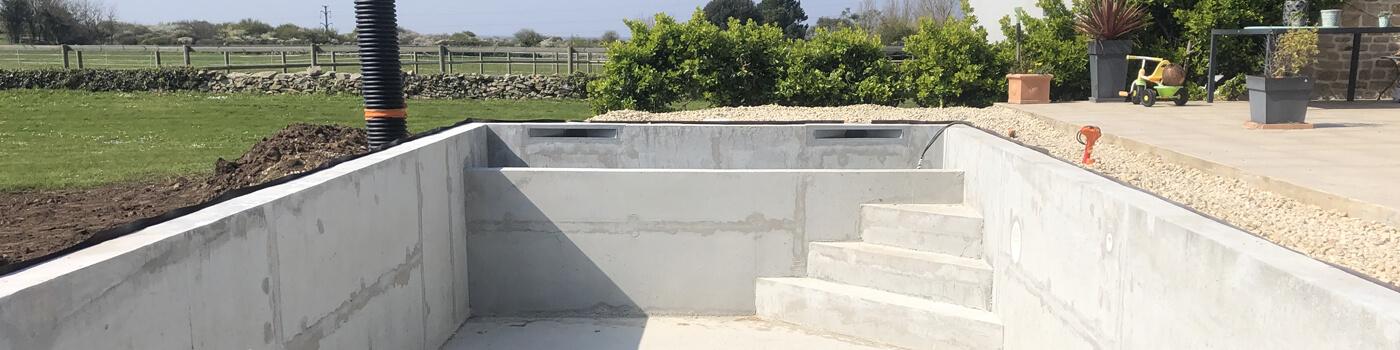 construction de piscine béton banché vibré morbihan